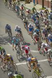 Amatorscy mężczyzna Bicyclists współzawodniczy w Garrett Lemire Prix Pamiątkowym Uroczystym Krajowym Bieżnym obwodzie na Kwietniu Obraz Royalty Free