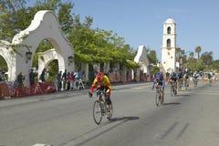 Amatorscy mężczyzna Bicyclists współzawodniczy w Garrett Lemire Prix Pamiątkowym Uroczystym Krajowym Bieżnym obwodzie na Kwietniu Fotografia Stock