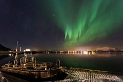 Amazin landscape of northen lights in background at Lofoten, Nor Royalty Free Stock Photos