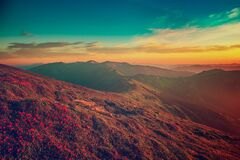 Free Amazing Mountain Sunrise Royalty Free Stock Images - 215880589