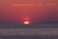 Amazing red dawn over sea Royalty Free Stock Photos