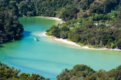 Free Amazing View Of Boat In A Turquoise Lagoon In Abel Tasman National Park, New Zealand Royalty Free Stock Photography - 152054187