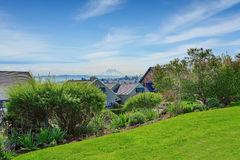 Free Amazing View Of Mountain Rainer From House Backyard Stock Images - 42489374