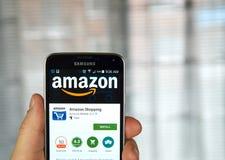 Amazon app su un telefono cellulare Fotografia Stock