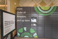 Amazon Locker self-service parcel delivery, pickup at Whole Food stock image