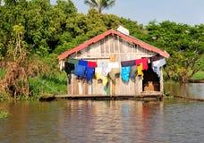 Amazonas-Dschungel-typisches Haus Stockbild