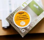 Amazonas-Lager behandelt offres reconditionnees productos reacondi Lizenzfreie Stockbilder