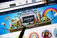 Amazonka dnia pierwszorzędna strona na urzędnika Amazon miejscu fotografia stock