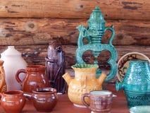 ambachten Diverse die potten bij de openluchttentoonstelling worden getoond Stock Fotografie