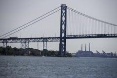 Ambassadeur Bridge Connecting Canada aan Michigan royalty-vrije stock fotografie