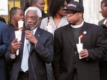 Ambassadeur Raymond Joseph en de Arbeider van de Hulp Stock Fotografie