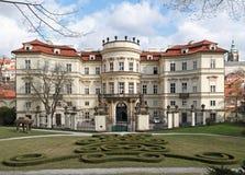 ambassadtysk prague Arkivbilder