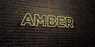 AMBER - ρεαλιστικό σημάδι νέου στο υπόβαθρο τουβλότοιχος - τρισδιάστατο δικαίωμα ελεύθερη εικόνα αποθεμάτων Στοκ φωτογραφία με δικαίωμα ελεύθερης χρήσης