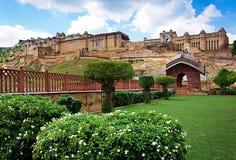 Amber Fort med härlig himmel, Jaipur, Rajasthan, Indien Arkivfoton