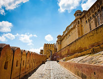 Amber Fort met blauwe hemel, Jaipur, Rajasthan, India Stock Afbeeldingen