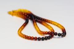 Amber Necklaces In Close sulla vista, oggetto isolato Fotografie Stock