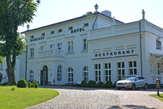 AMBER, RUSLAND Hotel en Schloss-Hotelrestaurant, Kaliningrad-gebied Stock Afbeelding