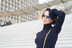 Ambicja, wyzwanie, sukcesu pojęcie, Paryjska kobieta zdjęcia stock