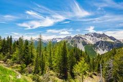 Ambiente non contaminato idilliaco del paesaggio di elevata altitudine Avventure ed esplorazione di estate sulle alpi francesi it Immagine Stock Libera da Diritti