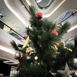 Ambientes festivos de la Navidad fotografía de archivo