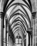 Ambita sufit w studniach Katedralny HDR BW Fotografia Royalty Free