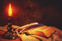 Ambiti di provenienza astratti di fantasia con il libro magico Fotografia Stock