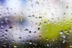 Ambiti di provenienza dell'acqua con le gocce di acqua Bolle dell'acqua blu Fotografia Stock