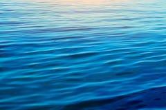 ambiti di provenienza delle onde di acqua blu Immagini Stock Libere da Diritti