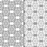 Ambiti di provenienza floreali bianchi e grigi Insieme dei reticoli senza giunte Fotografie Stock