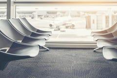 Ambiti di provenienza internazionali della torre di controllo di partenza dell'aeroporto fotografie stock libere da diritti