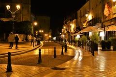 Amboise Francia en la luz artificial amarilla suave de la noche imagen de archivo libre de regalías