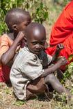 AMBOSELI, KENIA - 12 de febrero de 2010 Massai no identificado fotos de archivo