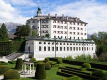 Ambras城堡,在因斯布鲁克小山顶的一座印象深刻的城堡  库存图片