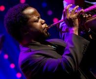 Ambrose Akinmusire Quintet realiza vivo en 28va cuarta April Jazz Fotografía de archivo