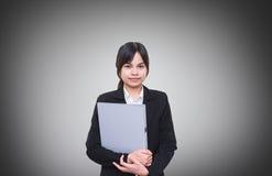 Ambtenaar Holding een documentdossier Stock Foto's