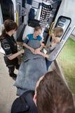 Ambulance aînée de femme Photos libres de droits