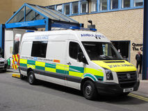 Ambulance car. In entrance of St Mary's Hospital, Imperial College Healthcare NHS Trust Stock Photo