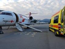 Ambulance d'air et de route photo libre de droits