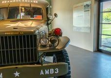 Ambulancia de Dodge WC54 en el museo aerotransportado Normandía fotografía de archivo libre de regalías
