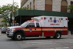 Ambulancia de FDNY en Brooklyn Fotos de archivo