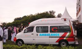 Ambulancia durante un evento musulmán África, Nairobi Kenia Foto de archivo libre de regalías
