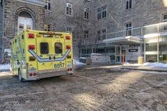 Ambulans för HÃ'tel-Dieu sjukhusnödläge arkivbild