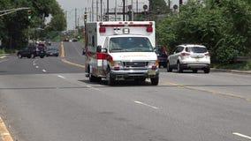 Ambulans nöd- svar, EMT stock video