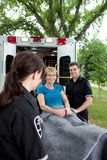 ambulansowy szczęśliwy pacjent fotografia royalty free