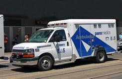 Ambulanspersoner med paramedicinsk utbildning av Toronto Royaltyfri Bild