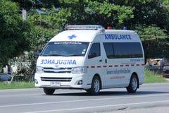 Ambulansskåpbil av det Thanyarak sjukhuset Royaltyfri Foto