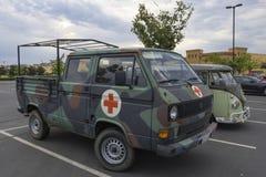 Ambulanza del T3 del trasportatore di Bundeswher Volkswagen del tedesco fotografia stock libera da diritti