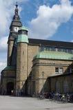 AMBURGO, GERMANIA - 18 LUGLIO 2015: Hauptbahnhof è la stazione ferroviaria principale nella città, nell'più occupato nel paese e  Immagini Stock Libere da Diritti