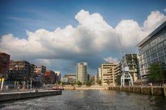 Amburgo, Germania - 28 luglio 2014: Vista del quarto di Hafencity Fotografia Stock
