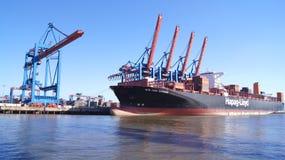 AMBURGO, GERMANIA - 8 marzo 2014: Vista sul Burchardkai del porto di Amburgo La nave porta-container dal MSC è scaricata Fotografie Stock